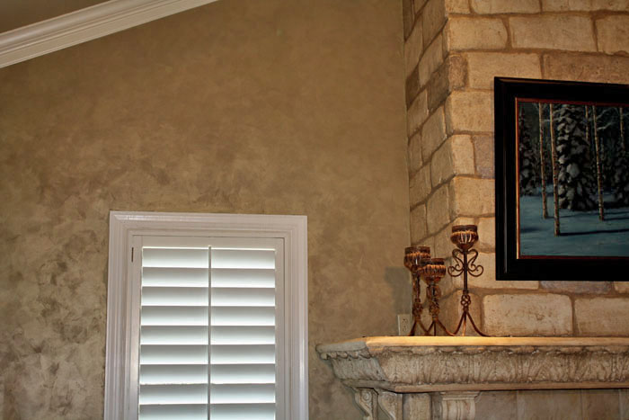 Custom colored Lusterstone walls.