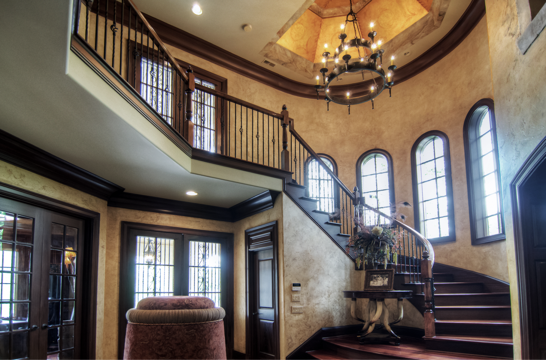 Faux Decor and United Artisans glazed woodwork, plaster color glazed walls ceiling mural