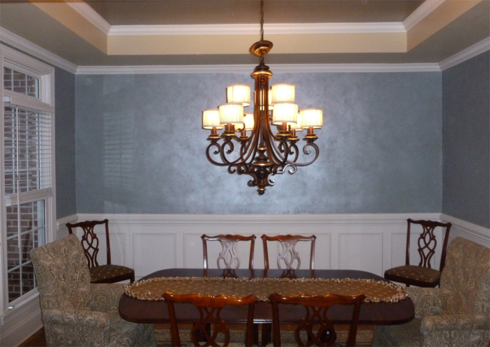 Metallic silver ceiling with Frosted Blue Lusterstone walls over silver blue base wall color.